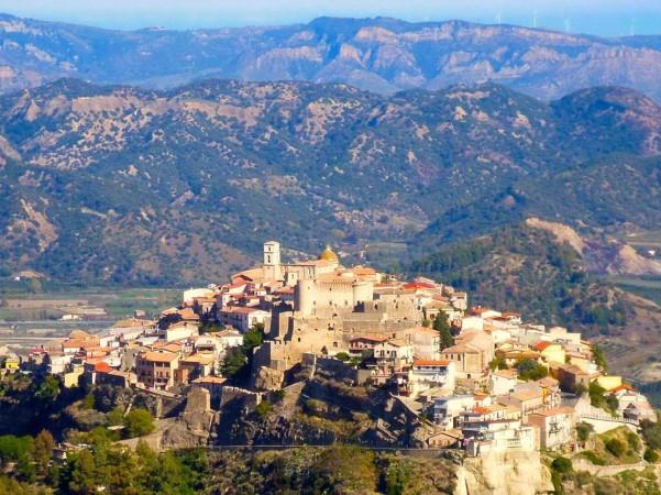 Italian city free houses